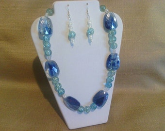 268 Sparkling Blue Crackle Glass and Triangle Shaped Glass Beaded Necklace