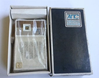AITC Solid State 8 Transistor Radio Model P2108, transistor radio, NOS vintage pocket radio, 60s pocket radio    B7
