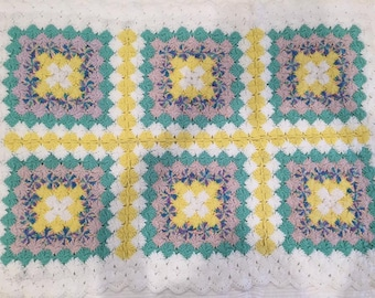 Crochet Baby Blanket in green, yellow and white