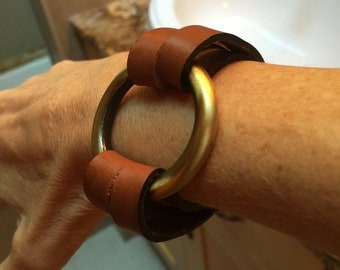 Leather and antique brass bracelet