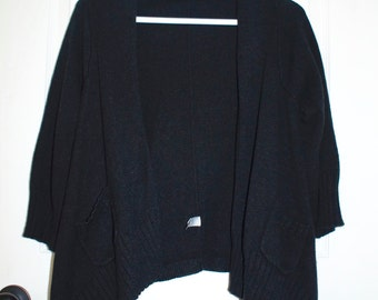 Black yarn cardigan
