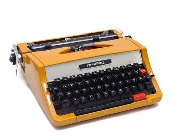 Orange Privileg typewriter