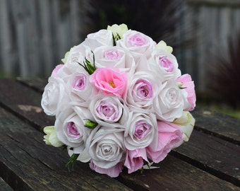 Bridal bouquet with roses, auscipius flowers