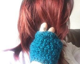 Crochet Fingerless Gloves // Fingerless Gloves // Crochet Wrist Warmers // Warm & Cozy Fingerless Gloves