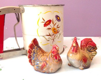 Vintage Ceramic Collectible Farmhouse Style Chicken Salt and Pepper Shakers