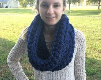 Chunky Cowl Scarf / Super Chunky Cowl / Crochet Chunky Scarf / Circle Scarf / Navy Blue Crochet Cowl / Handmade Cowl