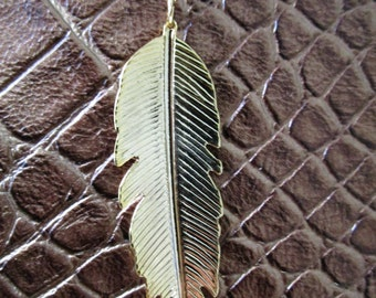 Golden Feather Long Necklace