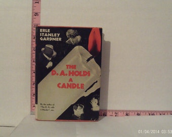 The D.A. Holds A Candle by Erle Stanley Gardner (1942, Hardcover) Triangle Books Edition With Dust Jacket