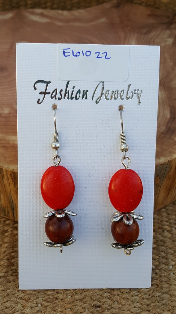 Red Earrings with Brown Wood / Red Stone Earrings / Semi Precious Stones / Dangle Earrings / Hippie Earrings / Boho Jewelry /E61022