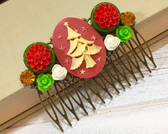 Christmas Hair Accessory, Christmas Hair Comb, Special Occasion Hair Comb, Bridal Hair Comb, Christmas Tree Flowers Floral in Red Green