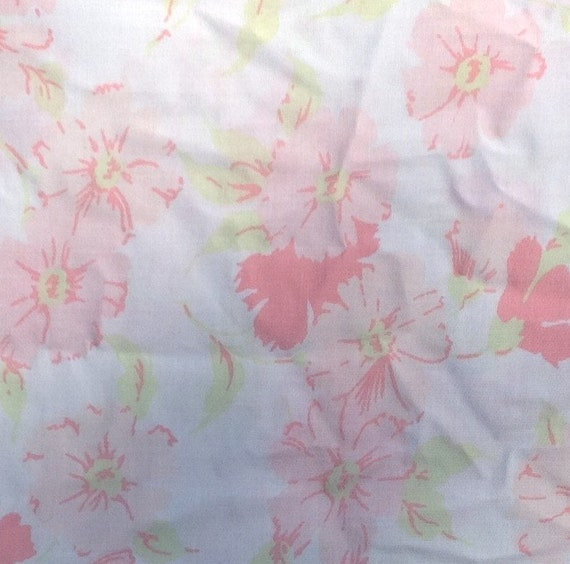 Pink Flower Fitted Sheet and Pillowcase - 1970s - Vintage Linens and Fabric