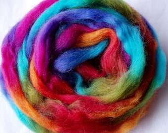 3.5oz, wool roving, finger thick strand, spinning fiber, felting wool, wet felting wool, spinning wool, rainbow wool, space wool, dread wool