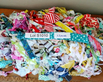 Fabric DESTASH LOT S1010 Over 5 Pounds Mixed Colorful Strips Scraps Quilting Cotton Fabric Grab Bag For Rag Tie Garland Banners Decorations