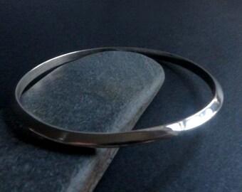 Sterling Silver Triangle Wire Bangle Bracelet, Geometric Shape Silver Bangle, Slim Silver Stacking Bangle, Modern Silver Bracelet