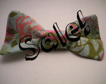 Tropical Clip On Bow Tie