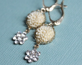Ivory Flower Earrings - Swarovski Crystals - Gold Plated Leverback Earwires