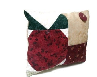 Patchwork apple pincushion, red, green, beige, white, sewing accessory, sewing caddy, pins and needle storage, pincushion