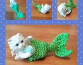 Merkitty - Crocheted Yarnbombed Ceramic Figure