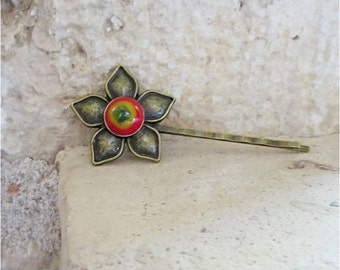 Boho Flower Bobby Pin, Brass and Fused Glass Hair Accessory, Handmade Fused Glass Jewellery,  Handmade in France by Pamela Angus