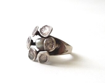 Modernist Sterling and Pearl Daisy Ring