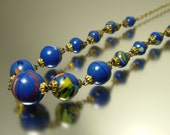 Vintage/ estate 1940s / 1950s royal blue marbled glass bead costume necklace jewellery / jewelry