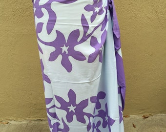 Tifaifai,Tahitian pareo, dance fabric, pareo, costume, purple and white print, rayon, fringeless, flower