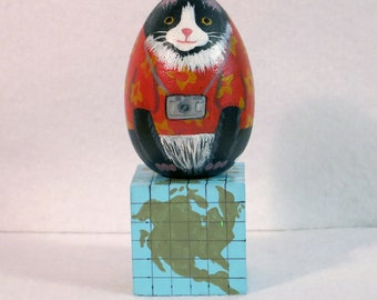 Vacation Cat on Square Stand, Hand Painted Black And White Cat, Wooden Painted Cat With Camera, Tourist Kitty With Red Shirt, Cat On Stand