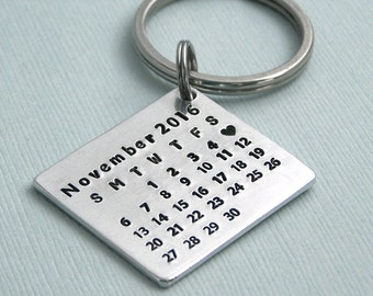 Little Aluminum Calendar Key Ring - Anniversary Gift - Wedding Gift - Mark the Date - Special Day