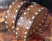 Acorn Tooled Leather Dog Collar wwith Contrasting Stitching // Size L // to fit a 18-22 Neck // Large Dog // OOAK