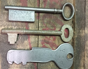Skeleton Key Lot of 3 Keys