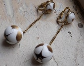 FREE SHIPPING Vintage Trifari Dangle Earrings Gold and White