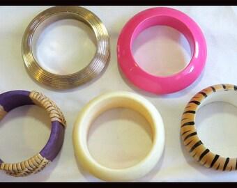 1012 - Vintage Assorted Bangles (5)