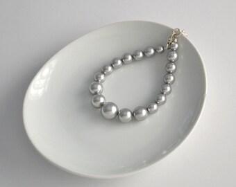 Gray Pearl Bracelet, Chunky Pearl Bracelet, Modern Jewelry, Large Pearl Bracelet, Bridesmaid Jewelry, Grey Pearl Jewelry, Bridesmaid Gift