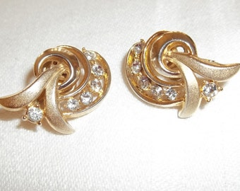 Trifari Gold Tone Rhinestone  1960's Clip Earrings ,Very Good Condition