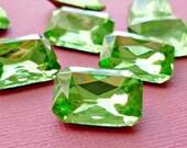 Christmas in July Sale - 18x13mm Peridot Green Octagon Vintage Glass Rhinestone Jewels (12-8F-2)