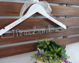 Personalized Wire Hangers Engraved - Custom Name Hanger - Bridal Hangers - Engraved Hangers - Wedding Date Hanger - Shower Gift - Hangar