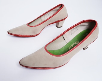 60s Suede Leather Pumps Red Suede Sewn Sole Bone leather Pointed Toe Pumps Low Heel 8// 96