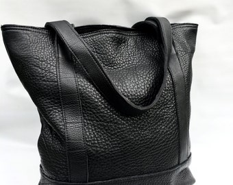 NEW - XL Camino tote bag in black bison hide
