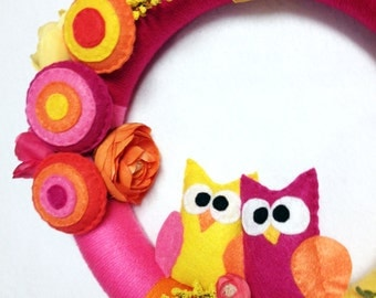 Owl Wreath, Spring Wreath, Yarn Wreath - Heat Wave - Owls Orange and Pink, Summer Wreath, Felt Wreath