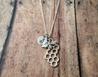Bee and honeycomb initial necklace- bee jewelry, bumblebee jewelry, honeybee jewelry, insect jewelry, honeycomb necklace, honeybee necklace