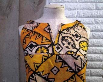 tiki leaf hawaiian dress 60s vintage tent dress Tiki gold and tan dress barkcloth mod polynesian dress cutaway armholes S M