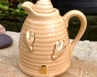 FREE SHIPPING-Vintage Ceramic Beehive Honey Pot/Pitcher-Made in USA-Farmhouse Decor-Mid Century-French Country-Cottage-Syrup Pitcher-