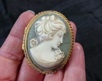 Vintage Lady Cameo Gold Metal Pill Jewelry or Trinket Box