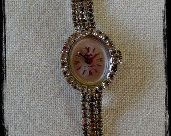 Vintage NON-WORKING Rhinestone Ladies Watch