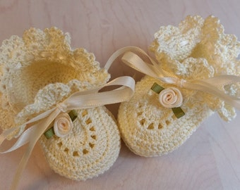 Baby Girl Booties, Cream, Crochet Booties, Christening, Baby Shoes, Cream Roses, Newborn Girl, Reborn Doll, Baptism, Baby Shower Gift