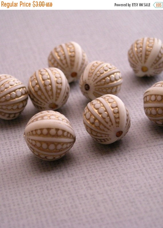 Shop Closing Sale 10 Vintage Plastic Matte Ivory and Gold Engraved Beads 12mm VPB072