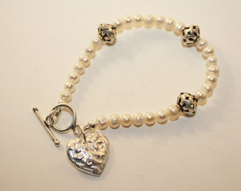 Silver Heart Charm and Freshwater Pearls Bracelet