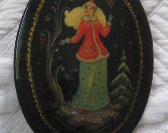 Russian Folk Lacquer brooch . Palekh brooch . russian folk art brooch. russian folk art . palekh . hand painted brooch