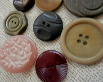 VINTAGE BUTTONS 10 Larger Sizes Pink Burgundy Olive Black Browns Interesting Textures