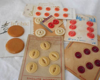 Lot Sets of VINTAGE Carded Plastic Craft Sewing BUTTONS L126